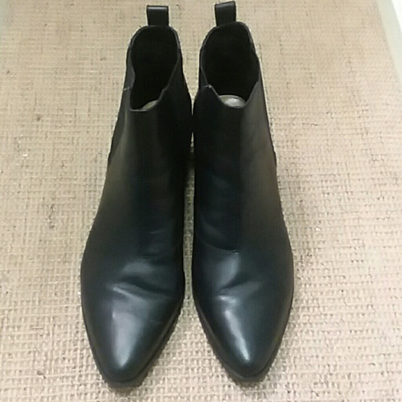 05500ffce35 Steve Madden VANITY boots size 10. M 5a604e613b160851fabcdf5a